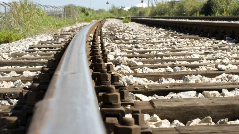Train track empty