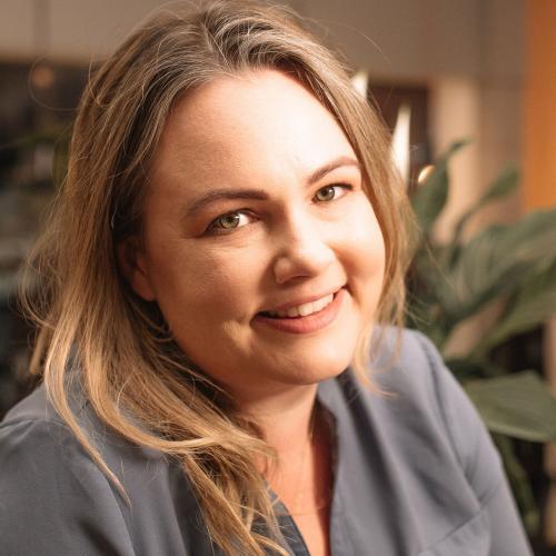 Image of Julie Provino
