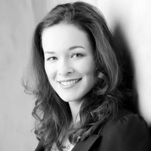 Izabella Khazagerova headshot