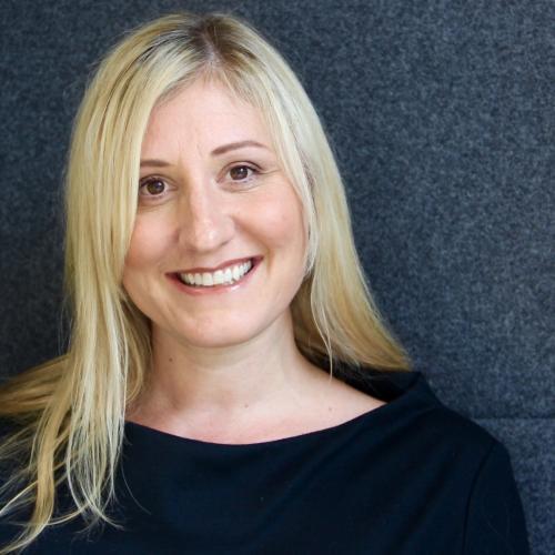 Photo of Liz Walker, HR Director at Unum